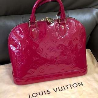 Louis Vuitton Vernis Monogram Alma PM