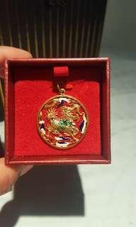 22karat gold dragon pendant