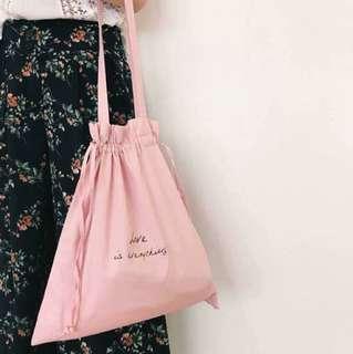 🚚 Mercci22 品牌標語束口揹袋