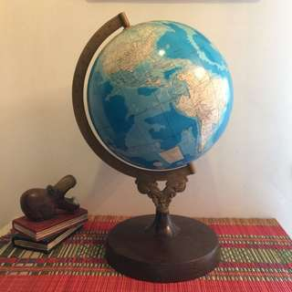 "18""(Ht) Vintage rotating world globe"
