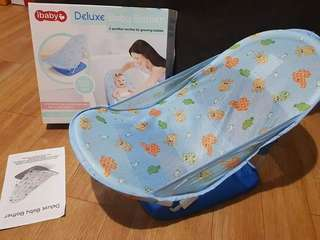 Baby infant mothers touch deluxe baby bather