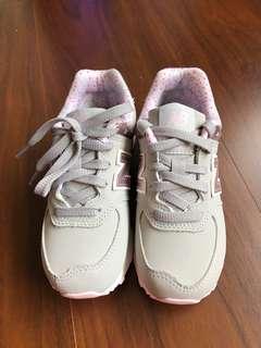 全新美國購回New Balance 574女童運動鞋~US 11號粉紅小花款~吊牌鞋盒已拆