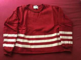 Sweater merah garis2