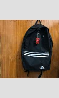 Adidas backpack 大學後背包一代🤩