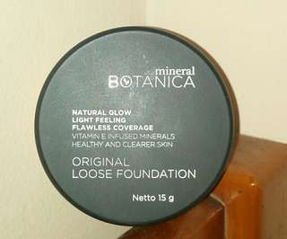 Mineral Botanica Loose Foundation (Shade Light)