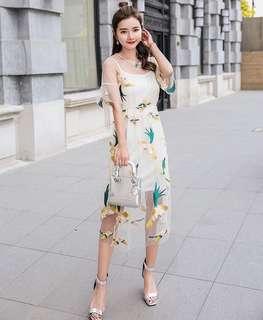 Gauze Embroidered Dress 圆领刺绣网纱裙