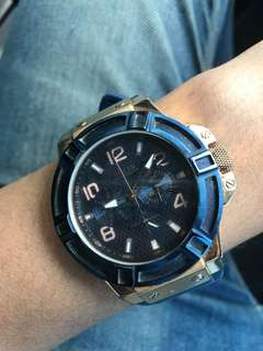 Jam tangan Guess Blue Gold