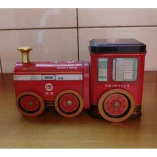 早期造型火車頭 (鐵片製)