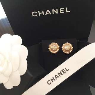 Chanel new新款買 珍珠耳環
