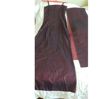 Elegant maroon colour wedding or any dinner night gown with shawl. Worn once. Free ladies blouse or shoes or children book 😁