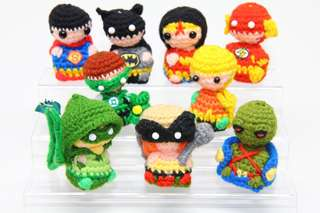 Justice league amigurumi, crochet, superman, batman, wonder woman, flash, green lantern, aquaman, green arrow, hawkgirl, martian manhunter