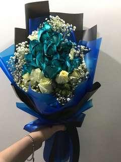15 Blue Rose Bouquet