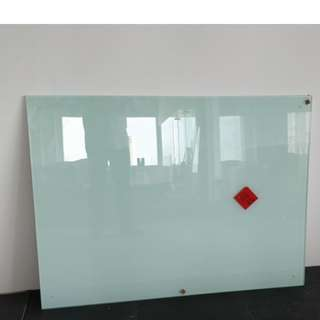 Non-Magnetic Writing Glass Board