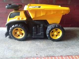 Pre-Loved Caterpillar Truck