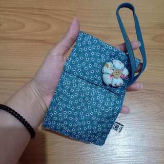 Egg mini wallet or phone holder