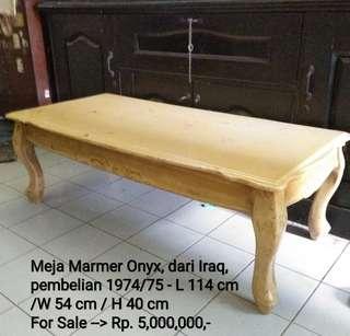 Meja Marmer