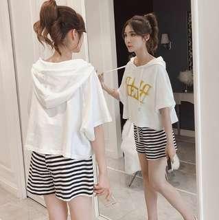 #省錢團購服飾  75611 #新款时俏皮連帽休閒短褲兩件套套装  颜色:白色 黄色 红色  尺码:S M L XL XXL