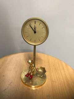16cm Metal clock,clock not in working condition ,collection at 50 Serangoon North Ave 4 #06-09 S 555856