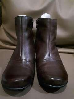 Sepatu boots wanita hush puppies