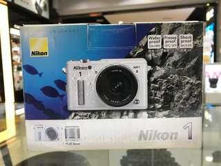 Nikon AW1 kit (11-27.5mm) Under water camera