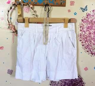 ❤️ Red girl white shorts