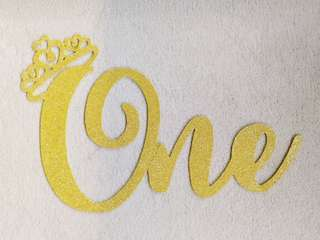 (M.T.O) Wall deco - One with tiara