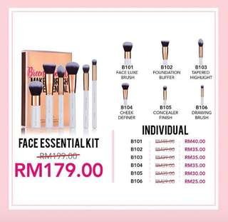 Individual brush for face essential kit