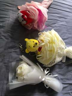 Bears and ribbon bouquet