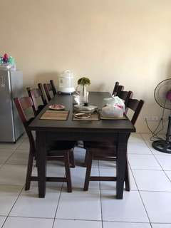 Dining table 6 seaters - solid wood