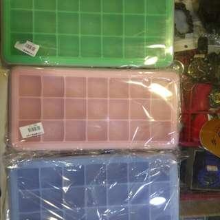 21格「硅膠帶蓋製冰塊盒)80元限來店買點我旋轉頭像看店址和逛上千種商品