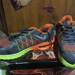 Sepatu Nike Baru no 43