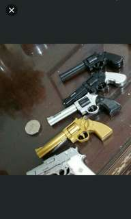 Toy gun can't shoot for display only selling 5 Pcs in lots