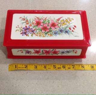 "Vintage 1980's Musical box Flora Theme Lady Mate Jewelry Trinket Box With ""Memory"" Wind Up Tune Made In Japan"