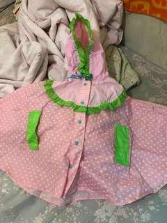 🚚 草莓鬥篷 雨衣 超可愛喔!