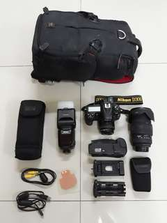 Nikon D300 (With Accecories)