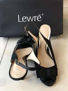 Lewre black high heel shoe #ramadan50 #list4sbux