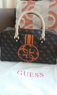 Reprice!!! Authentic Guess handbag with sling