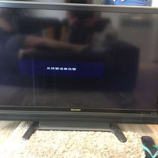 SHARP TV 110cmx70cm