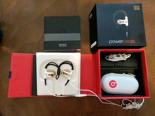 Beats Powerbeats 耳機 King James Limited Edition Gold Color