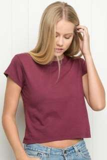 🚚 BRANDY MELVILLE 深紅色T恤✨🔥美國貨🇺🇸現貨💖Maroon t shirt