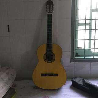 Yamaha Gitar Klasik C-315 set (bag, capo & pin)
