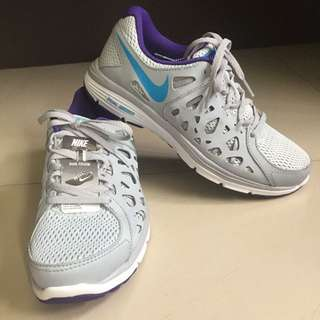 BRAND NEW Original Nike Dual Fusion Run 2