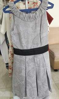 Dress abu motif