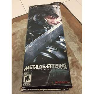 Metal Gear Rising Limited Edition with Plasma Lamp (NO GAME)