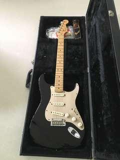 Fender American Standard (SSS) 2014 gold anodized pickguard