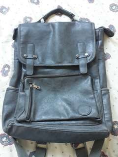 Salvatore man leather backpack