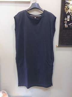 Uniqlo 藏藍色無袖連身洋裝 森林系