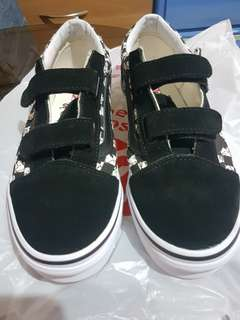 Vans snoopy shoes (limited edition)
