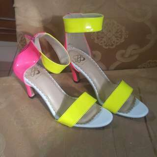Sachriline neon shoes