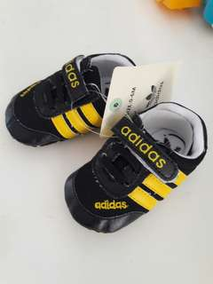 [Reduced]NEW ADIDAS Baby prewalker Baby shoes #ramadan50